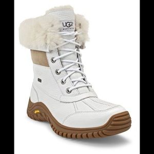 Ugg waterproof boots in the colour white size 6